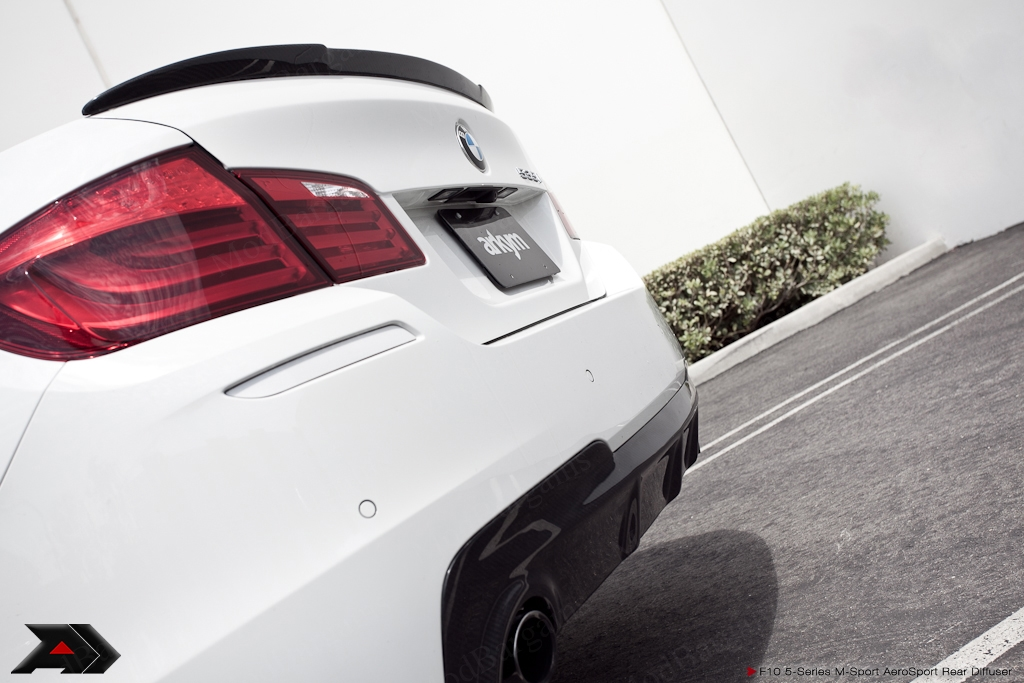 Carbon Fiber Rear Diffuser For 2010 Bmw 5 Series W M