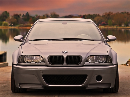 Gloss Black Kidney Grilles Installed on BMW E46