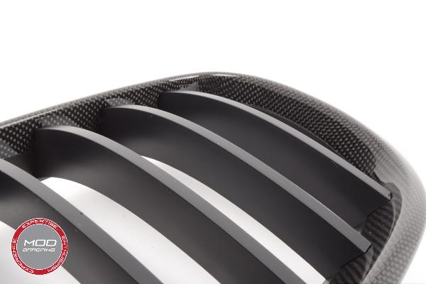 Carbon fiber Kidney Grille Up Close