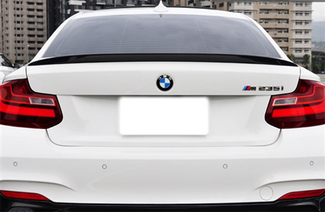 BMW White F22 Performance style spoiler alpine white race carbon fiber euro mseries M