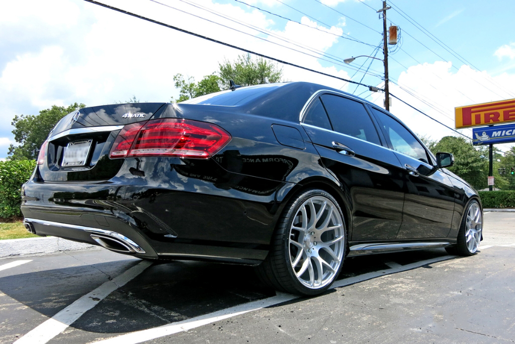 Avant Garde M610 Wheels in Brushed Liquid Silver on Mercedes Benz E Class