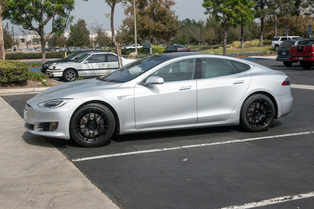 Avant Garde M610 Wheels in Matte Black on Tesla (3)