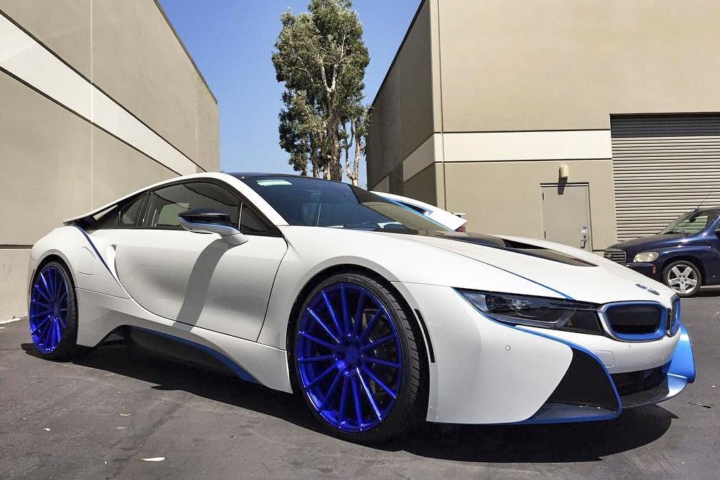 Avant Garde M615 Electron Blue on BMW i8