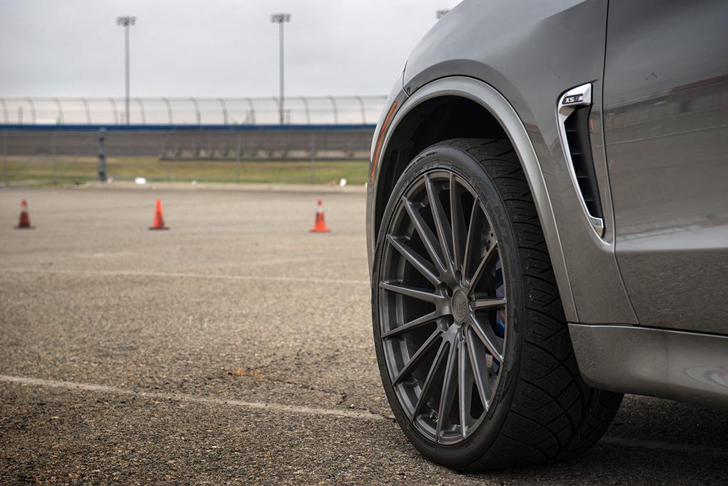 Avant Garde M615 Brushed Grigio on BMW X5M (4)