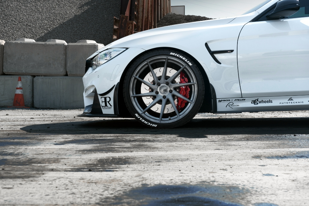 Avant Garde M621 Wheels in Brushed Grigio (3)