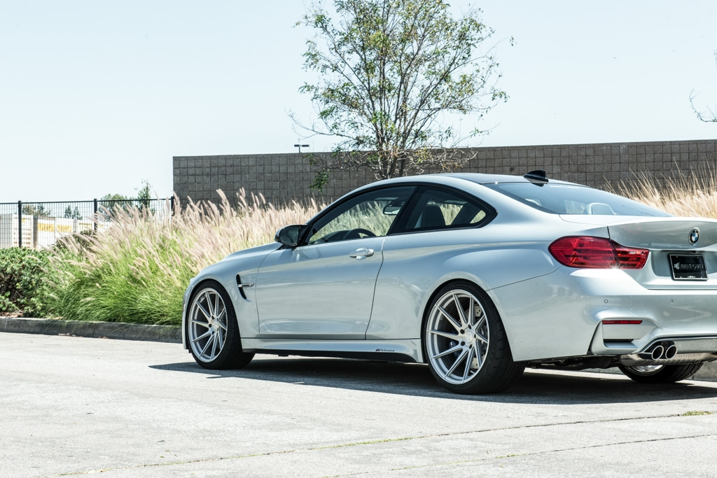 Avant Garde M621 Wheels in Brushed Liquid Silver (3)