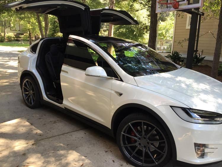 Avant Garde M652 on Tesla Model X