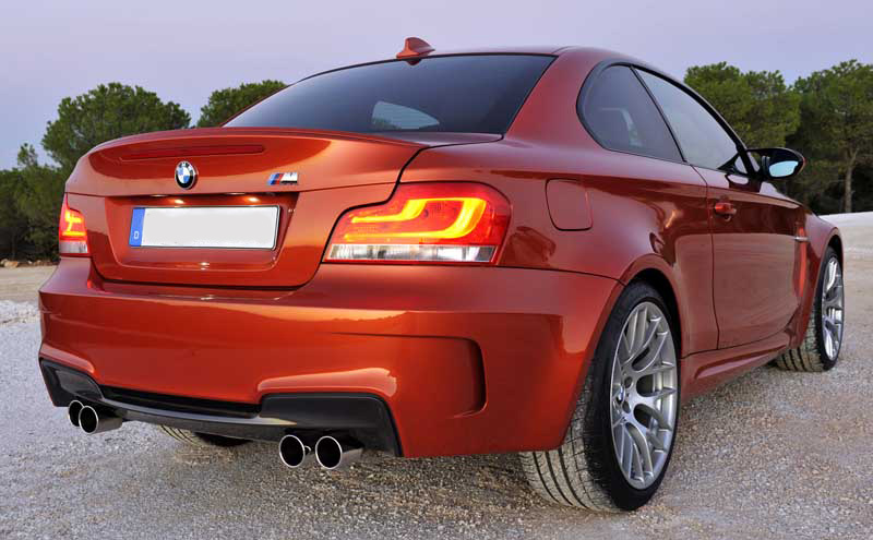BMW 1M w/ LCI LED Tail Lights