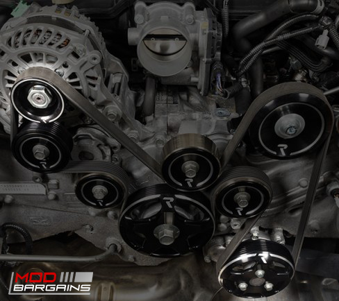 Raceseng Revo Water and Alternator Pulleys Installed