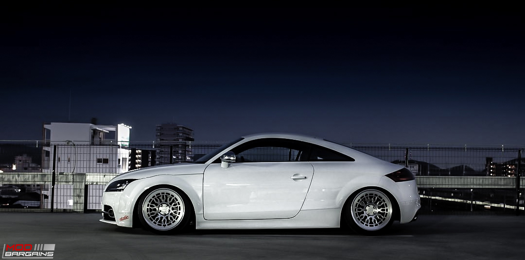 Radi8 R8A10 wheels installed on Audi TT