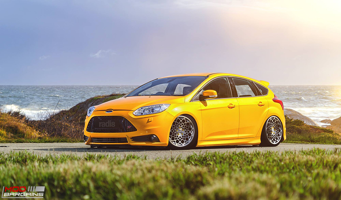 Radi8 R8B12 Wheels on Ford Focus ST
