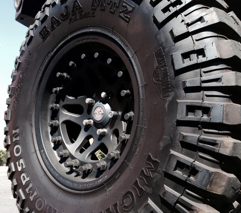HUTCHINSON ROCK MONSTER Double Beadlock Wheel 17x8.5 Jeep 2005+ Black WA-0594-017-01