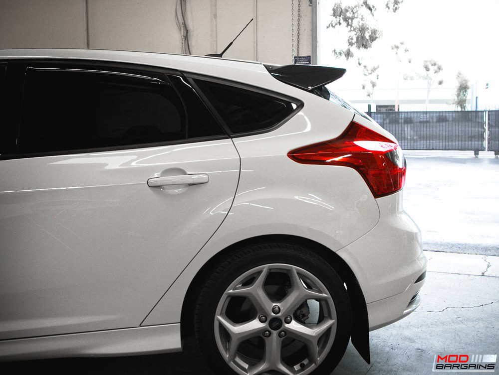Seibon OE-Style Carbon Fiber Rear Spoiler for Ford Focus (4)