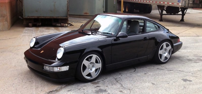 Black 911 with fifteen52 Tarmac Wheels