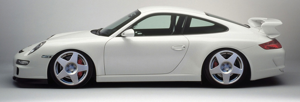 White 911 (997) with fifteen52 Tarmac Wheels