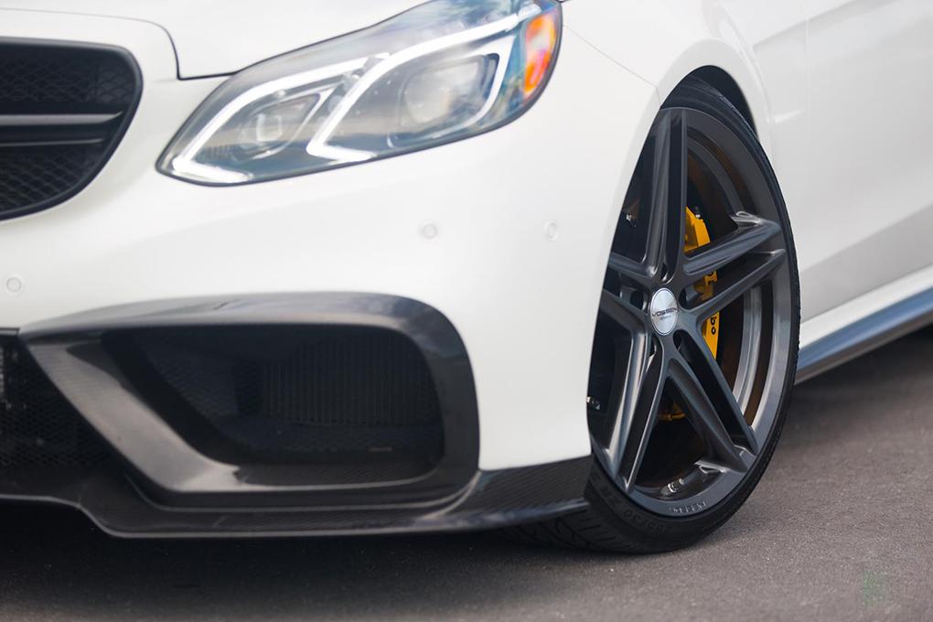 Vossen VFS-5 Wheels in Silver Metallic Installed on Mercedes Benz (4)