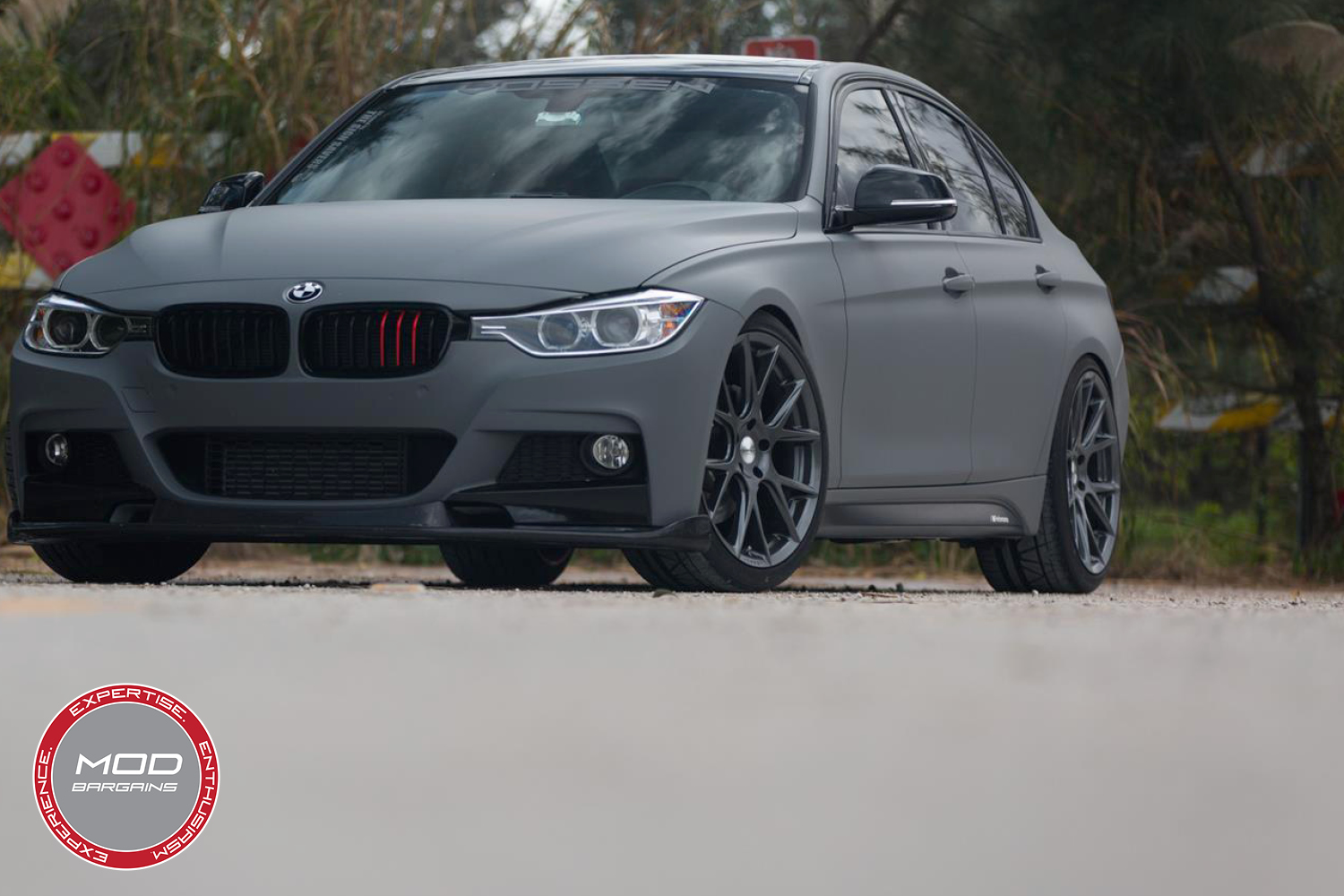 Vossen 20-inch Gloss Graphite VFS6 Wheel Installed BMW F80 M3 3/4 Front View