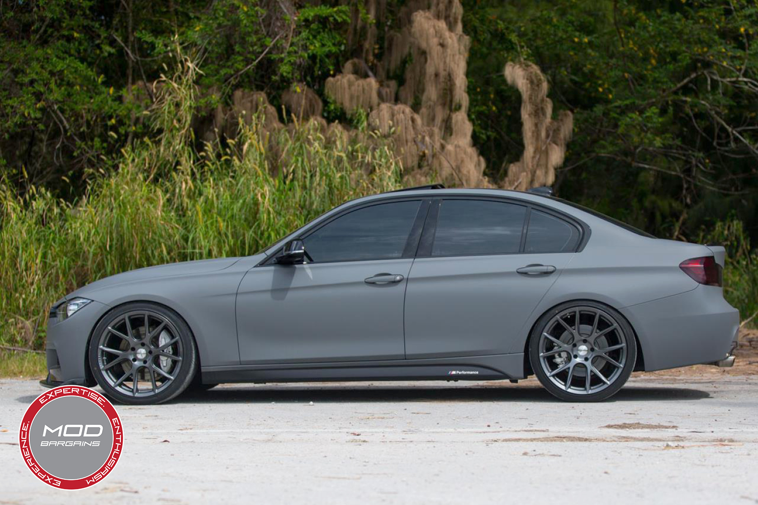 Vossen 20-inch Gloss Graphite VFS6 Wheel Installed BMW F80 M3 Full View