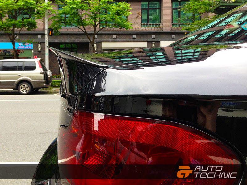 AutoTecknic BMW 2008-12 1-Series [E82] Carbon Fiber Trunk Spoiler