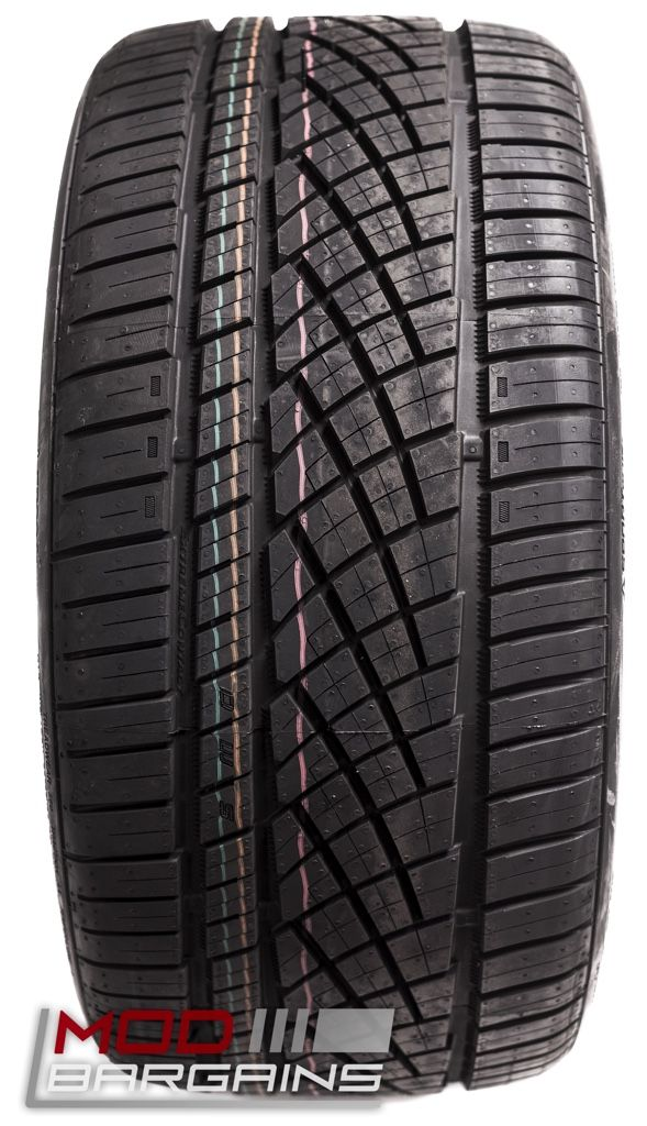 Continental Extreme Contact DWS 06 All Season Ultra High Performance Summer Tread Detail